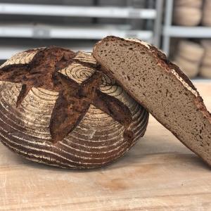 Doppelbackbrot gebrandet – Bäckerei Fink Steinau