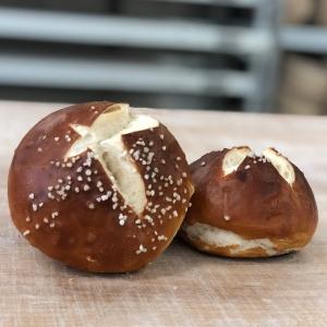 Laugenbrötchen – Bäckerei Fink Steinau